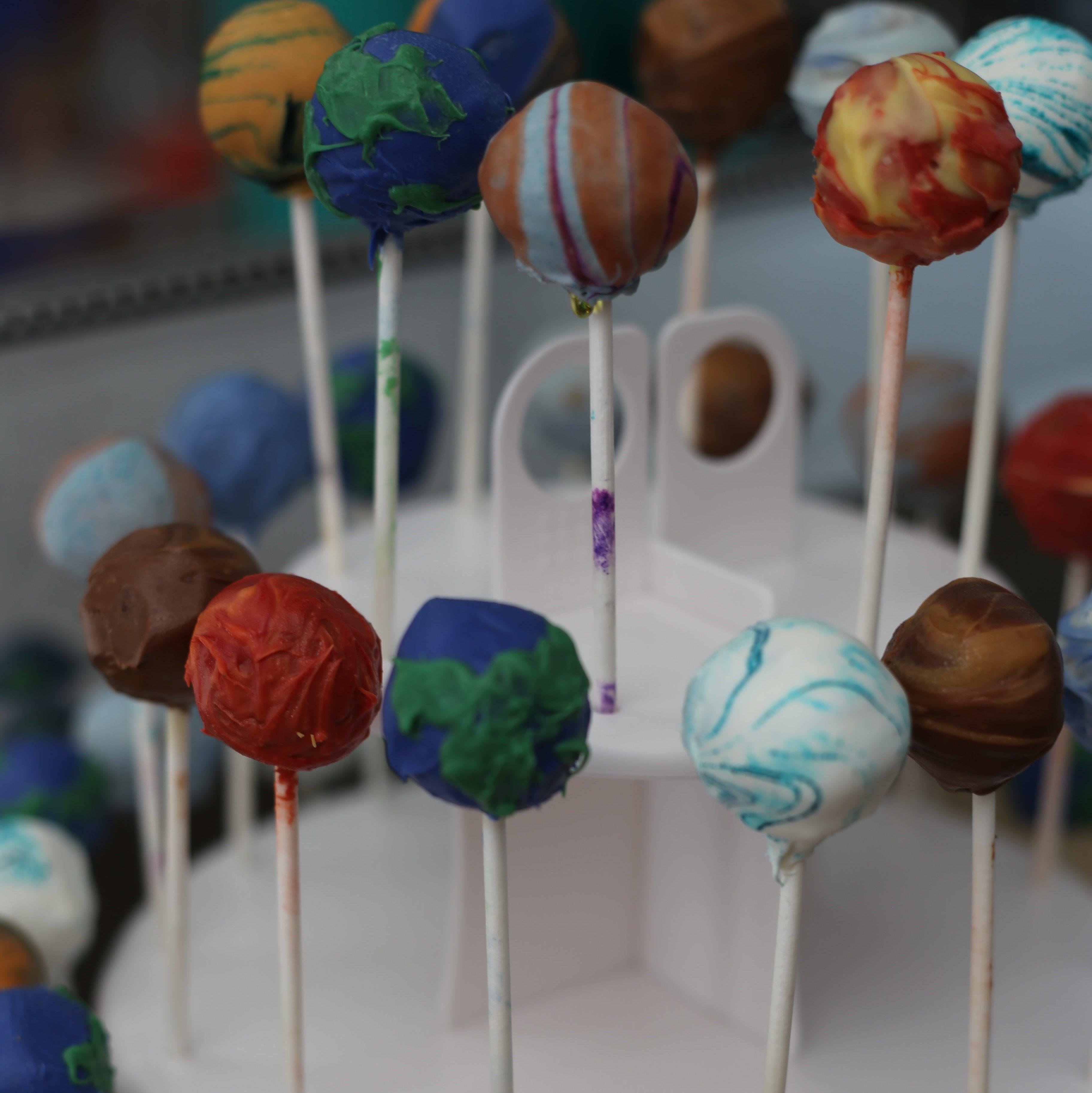solar system planet cake pops