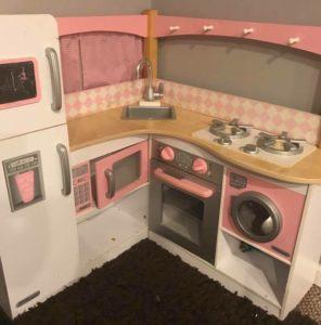 DIY Play Kitchen RenoDIY Play Kitchen Reno BEFORE pic